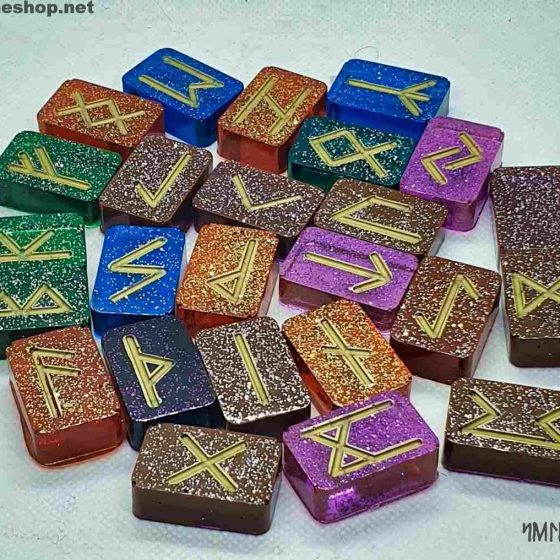 Rune futhark color arcobaleno in resina