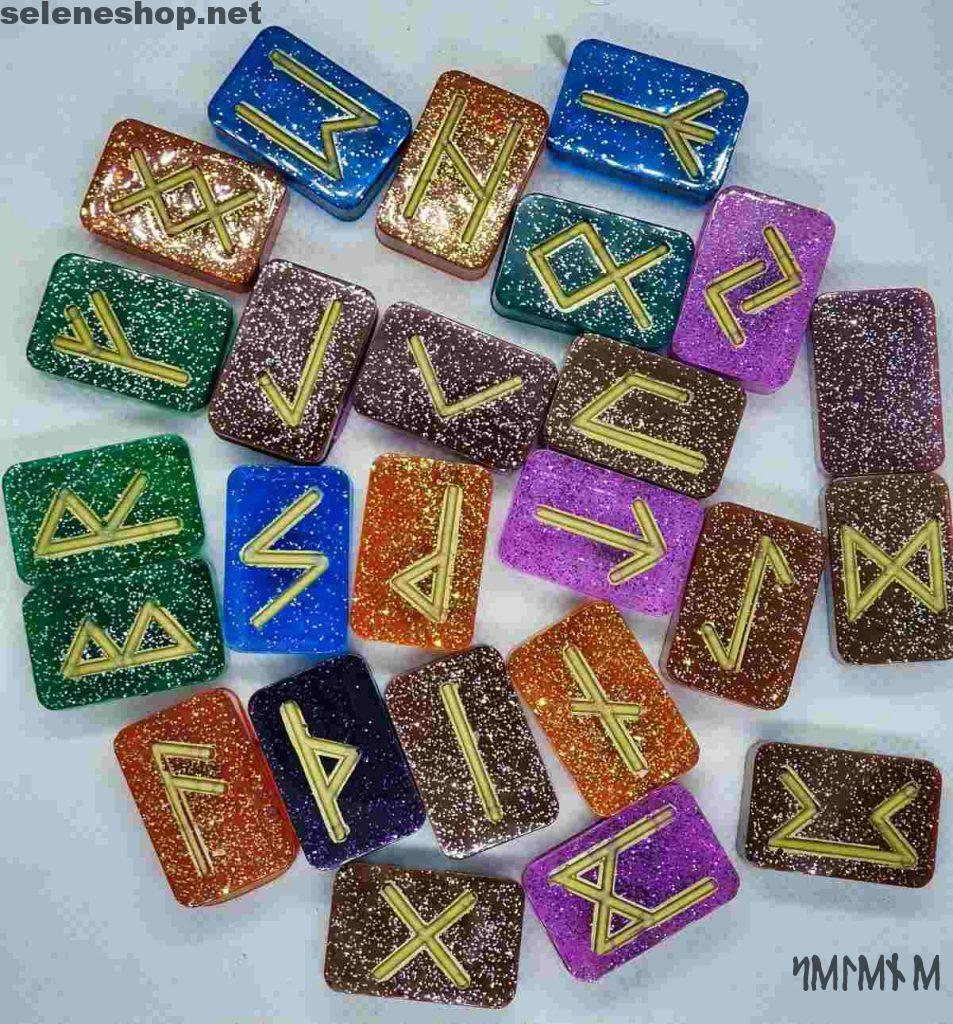 Rune futhark color arcobaleno in resina