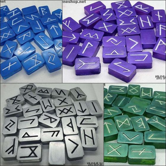 Rune in resina