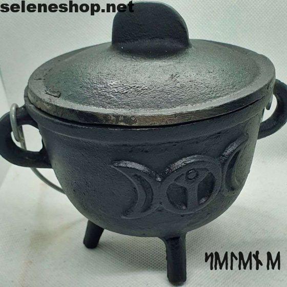 Triple moon cauldron in cast iron